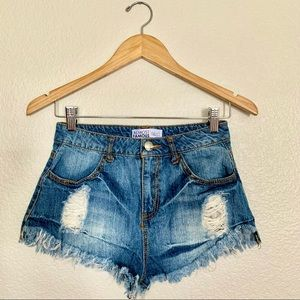 Almost famous high waisted booty shorts